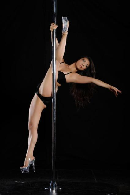 REIKO MAKINO 2012 California Pole Dance Championship: Professional Division (Los Angeles) Choreography by Kelly Yvonne VIDEO: http://www.youtube.com/watch?v=bJFq-MC33EY&feature=plcp